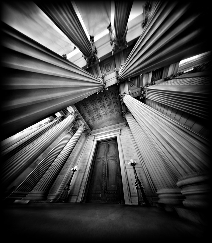 The pillars in this one draw your eyes towards the centre, like the planks in the first one. From: http://clarabachgcsephotography.weebly.com/pinhole-camera.html